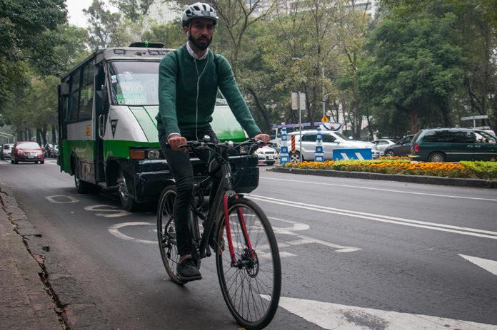 Ciclistas en Reforma