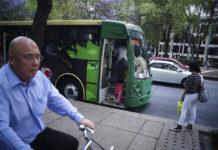 Camiones m1 en Reforma