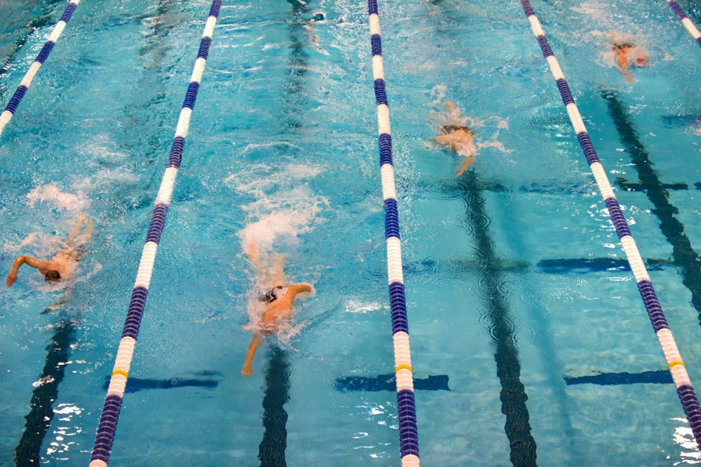 Aprender a nadar unam