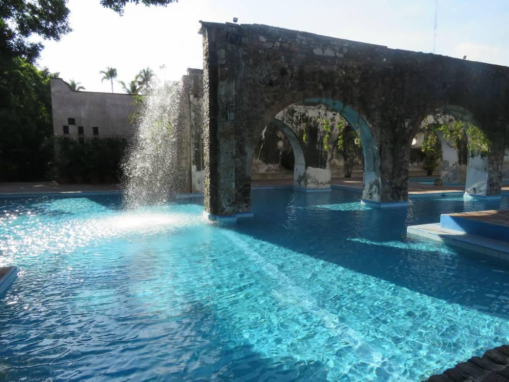 Aprende el arte del descanso en estos balnearios cerca de - Balneario de la alameda ...