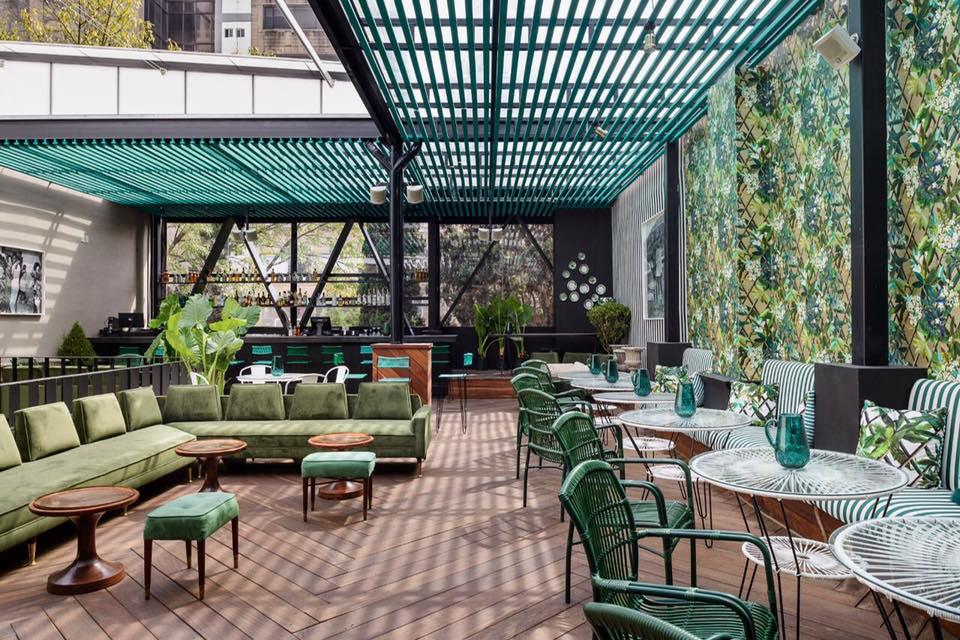 Diez restaurantes con terrazas incre bles en la cdmx for Terraza decoracion apartamento al aire libre