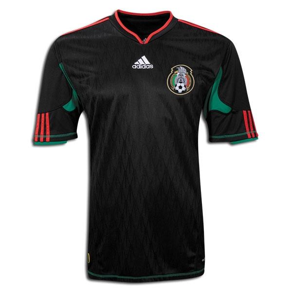 b66d8652b5cf2 Playeras de la Selección Mexicana  recordamos las más chidas
