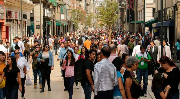 Planean alumbrar Madero con pisadas de todos los visitantes