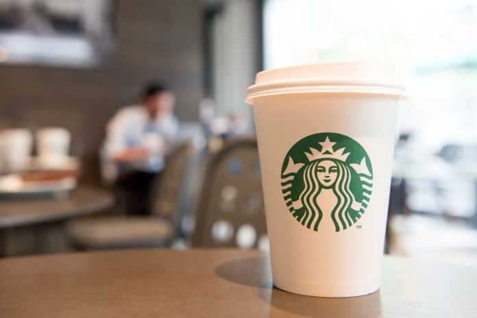 Starbucks regalará vasos ecofriendly