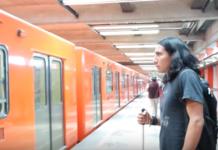 Atleta paralímpico en el metro