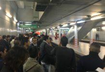 Fallas en la línea 8 del Metro provocaron que el servicio se suspendiera cerca de una hora