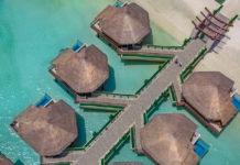 hotel sobre el mar