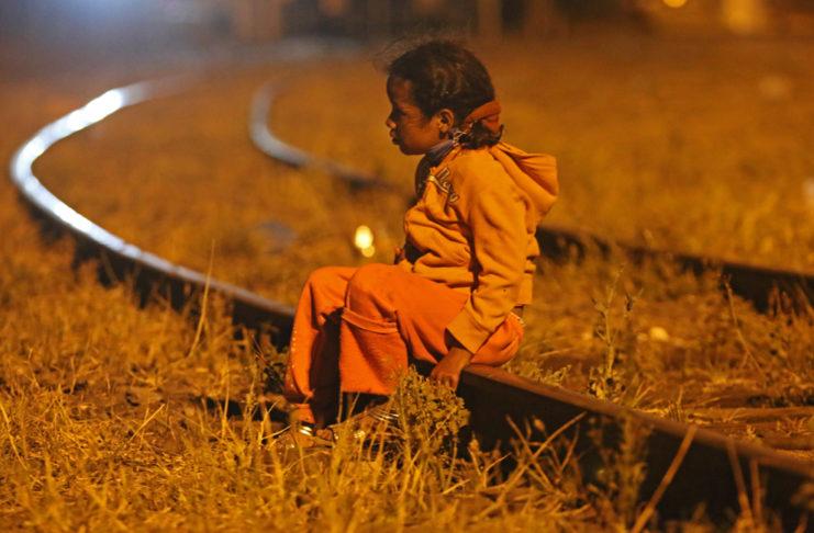 Cómo ayudar a niños migrantes