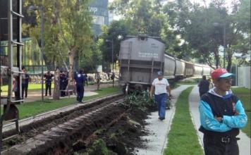tren frente al Museo Soumaya