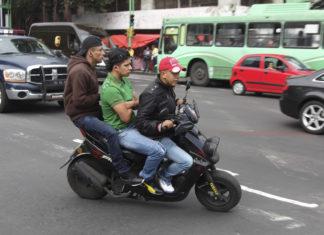uniformar a motociclistas