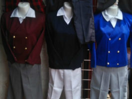 calle de los uniformes escolares en la CDMX