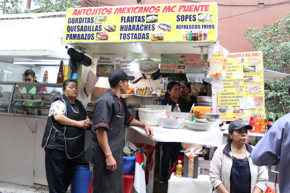lugares baratos para comer en las Lomas