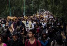marcha silenciosa de estudiantes de la UNAM