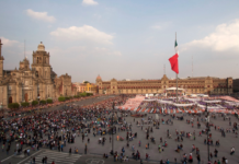 ofrenda de Día de Muertos en el Zócalo