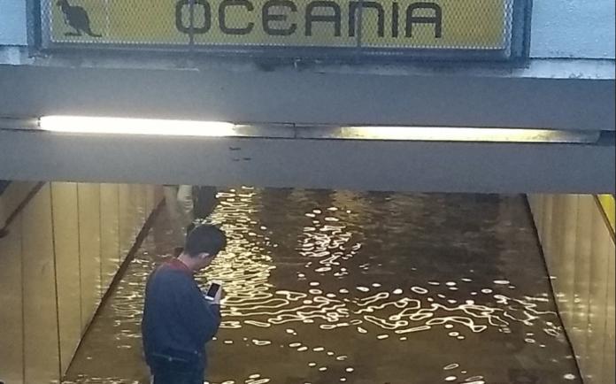 fuga de agua en la estación oceanía