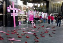 clausura de la PGR por los feminicidios