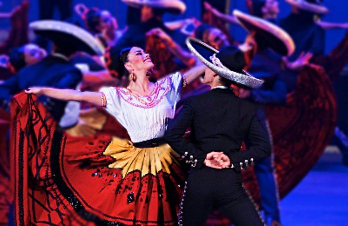 gala de amalia hernández con mariachi