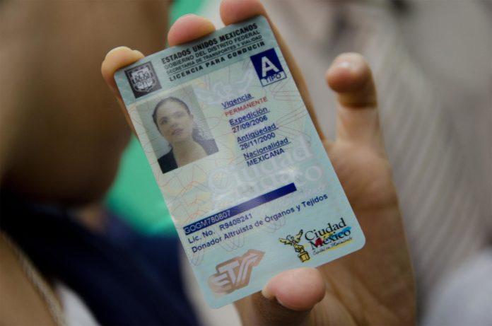 tramitar la licencia de conducir