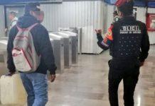 prohiben entrar al metro con gasolina