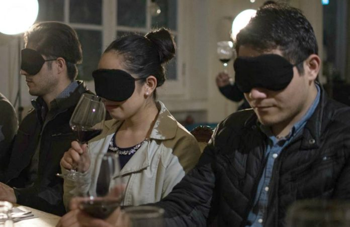 THE BLIND DINNER EXPERIENCE