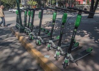 vecinos de la Condesa acuerdan inmovilizar scooters