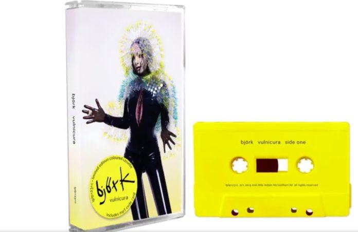 Discografía de Björk en casete