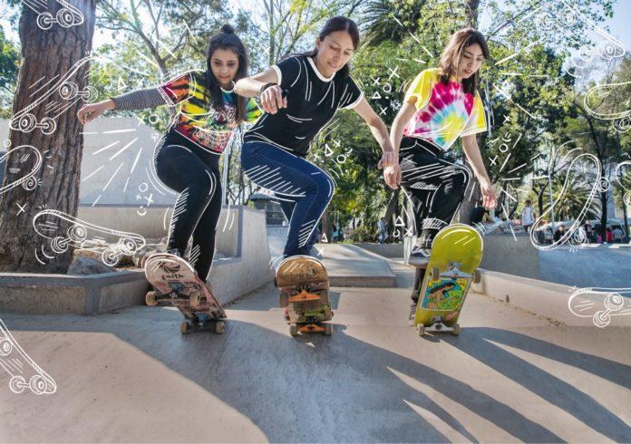 Mujeres en patineta