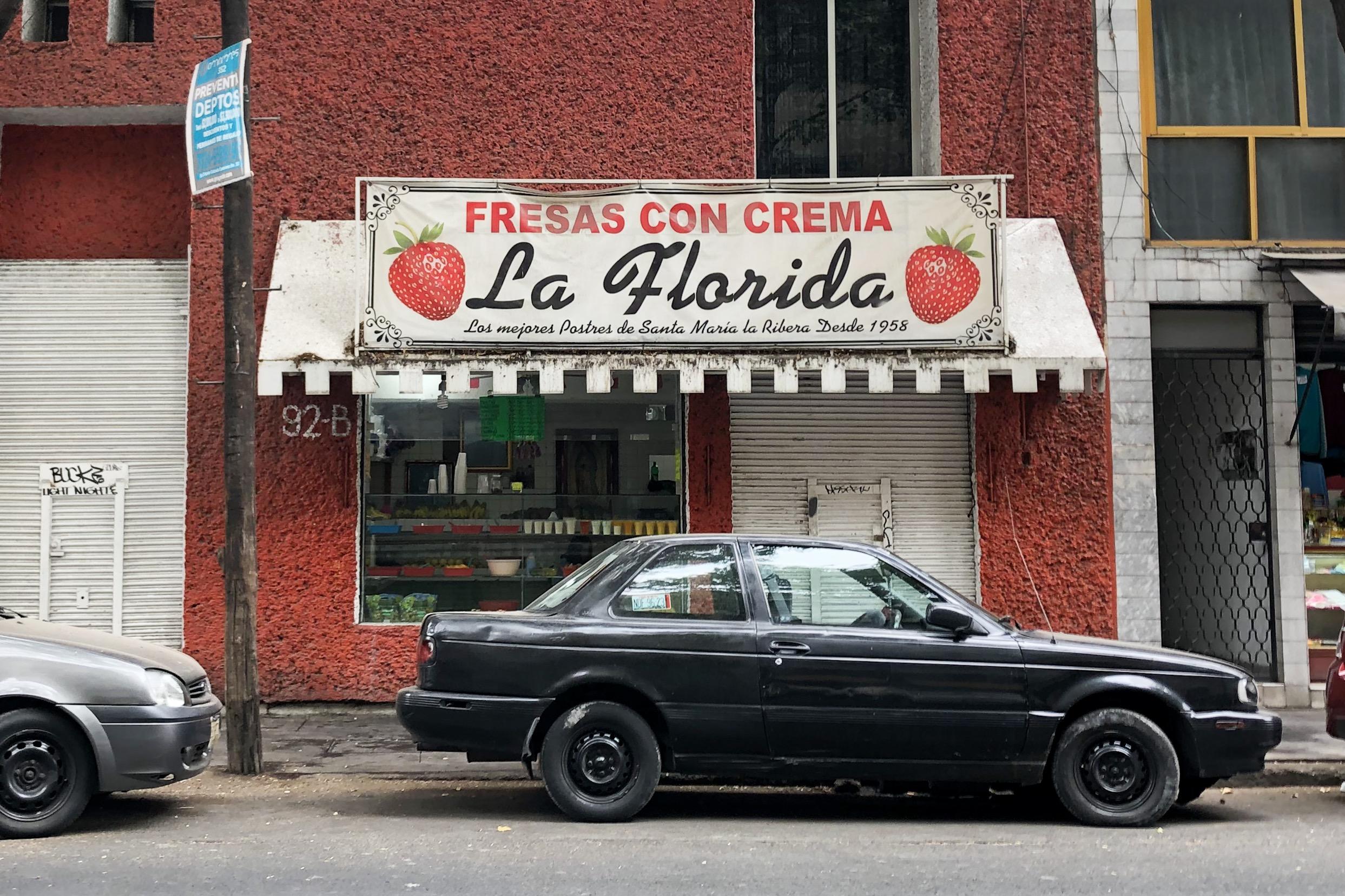 La Florida: 63 años con las mejores fresas con crema 🍓