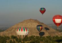Juego de pelota y show de globos en Teotihuacán