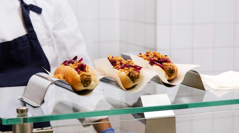 hot-dogs-albondigas-suecas-donas-hablemos-de-la-comida-en-ikea