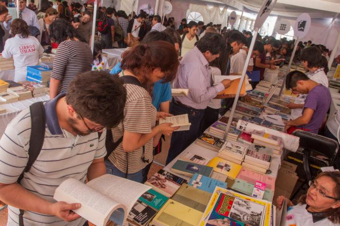 ¡Prepara los ahorros! Ya está aquí el Remate de libros de la UNAM 2019
