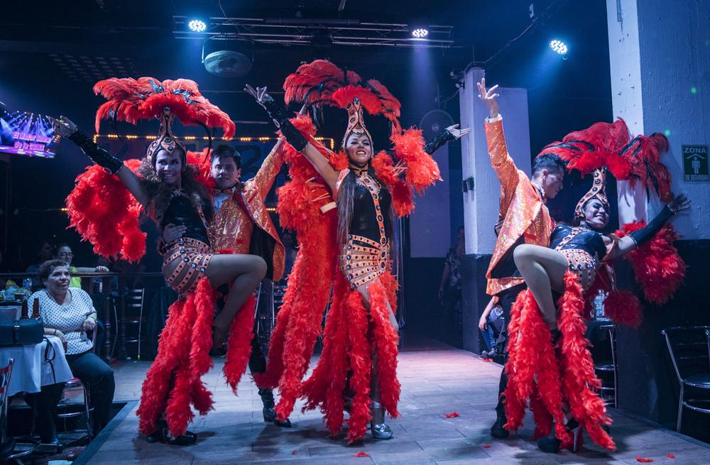 ¡Vístete de reina y lánzate a los siete mejores cabarets de la ciudad!