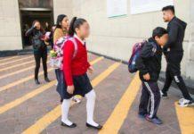 Uniforme neutro solo aplica a niñas, aclara la SEP