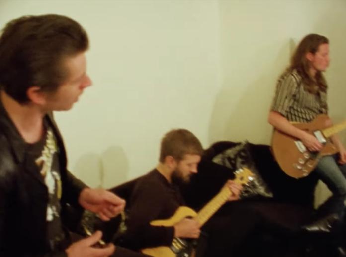 video de los Arctic Monkeys en México