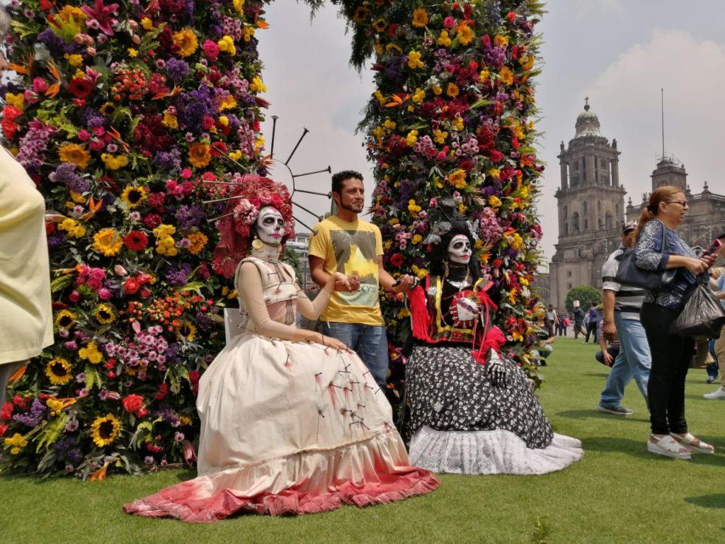 Frida Kahlo en el Zócalo caracter