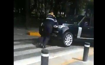 Automovilista golpeó a un policía