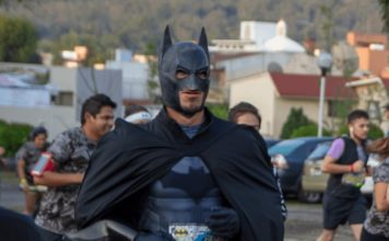 carrera batman run series