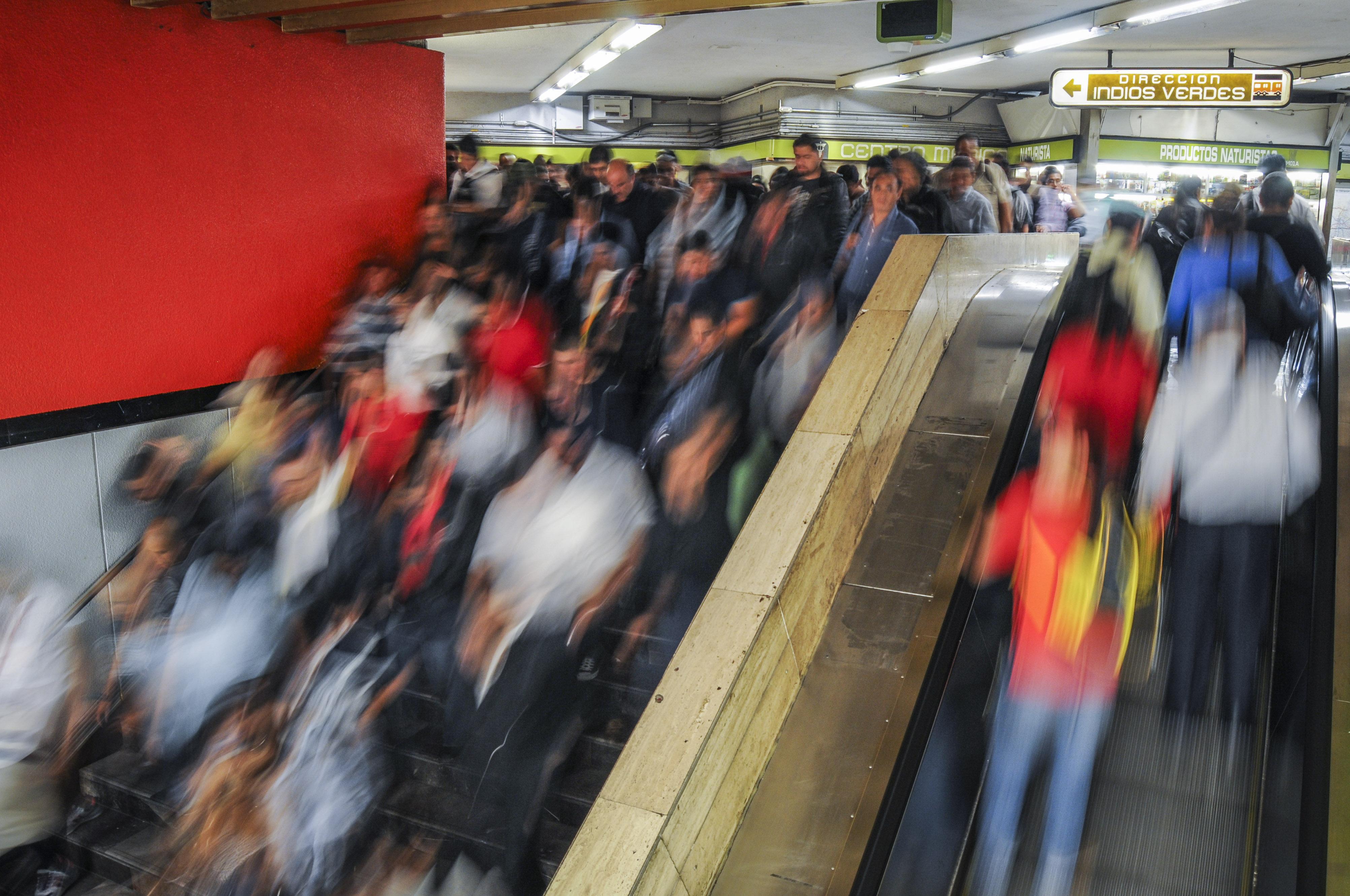 este-es-el-reglamento-del-metro-cuantos-articulos-has-violado