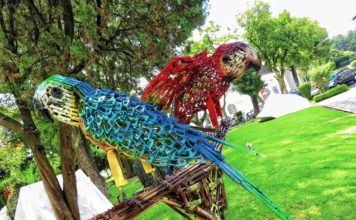 esculturas hechas con armas en Campo Marte