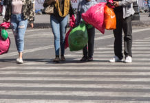Sanciones por dar bolsas de plástico