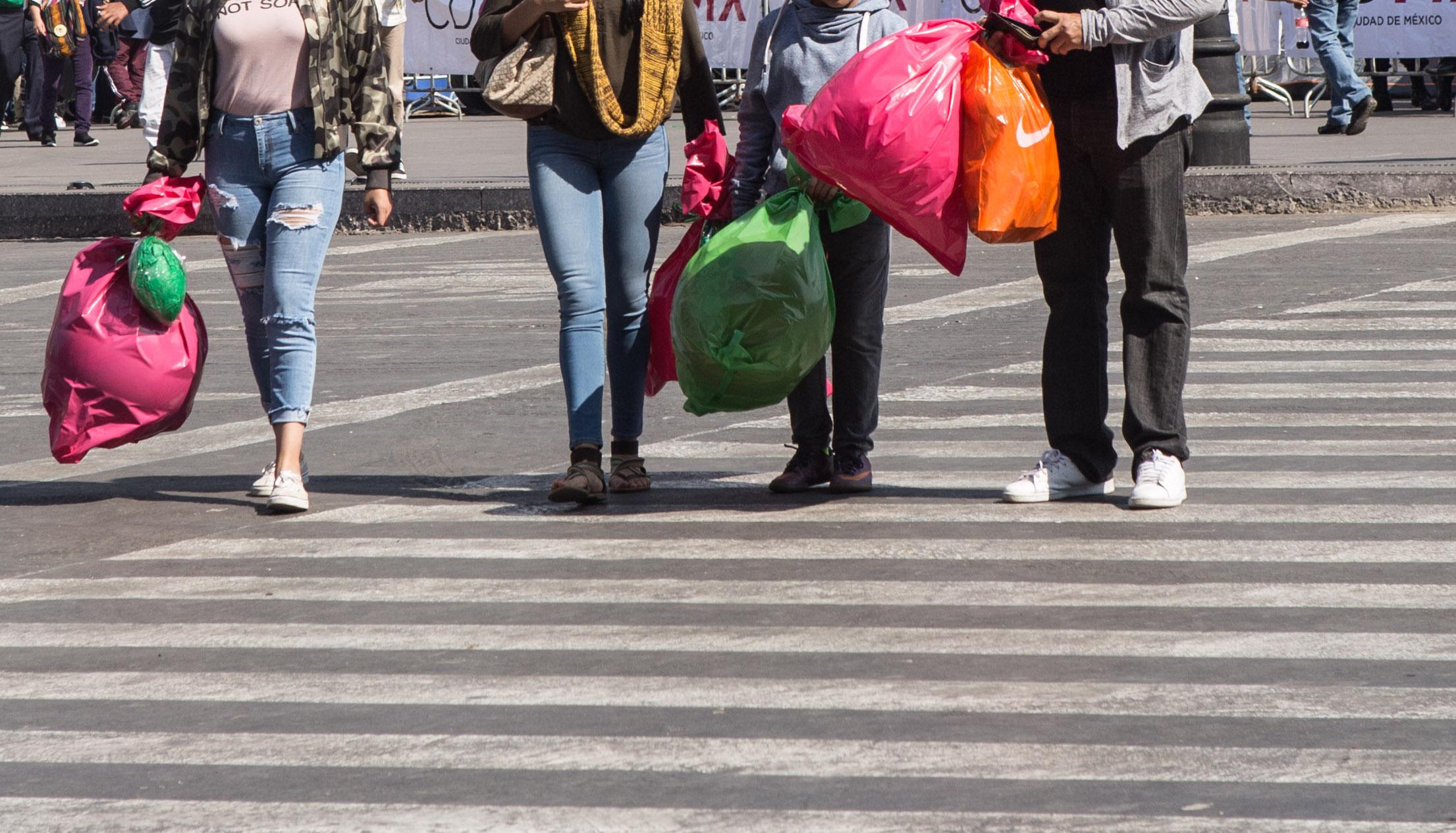 sin-bolsa-por-favor-sancionaran-a-establecimientos-que-den-plastico