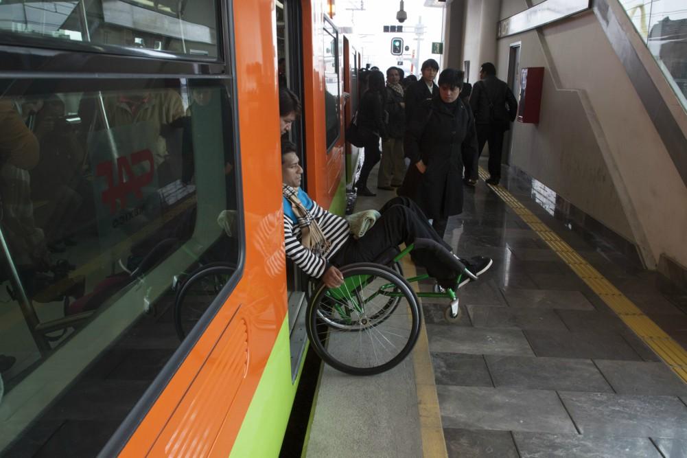 unam-propone-vagon-exclusivo-y-mas-asientos-para-personas-con-discapacidad