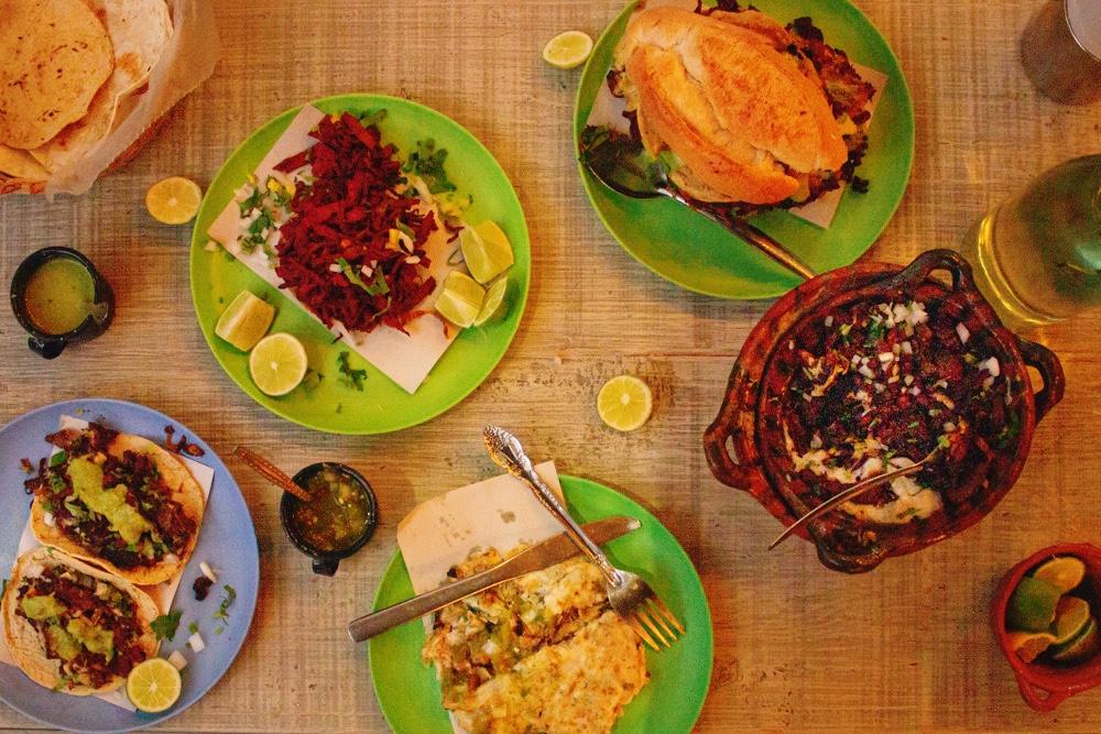 Comida vegana en CDMX: una guía grasabrosa 🤤🍔