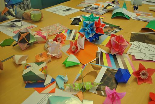 flores-estrellas-ninja-y-mas-figuras-de-origami-en-estos-tutoriales