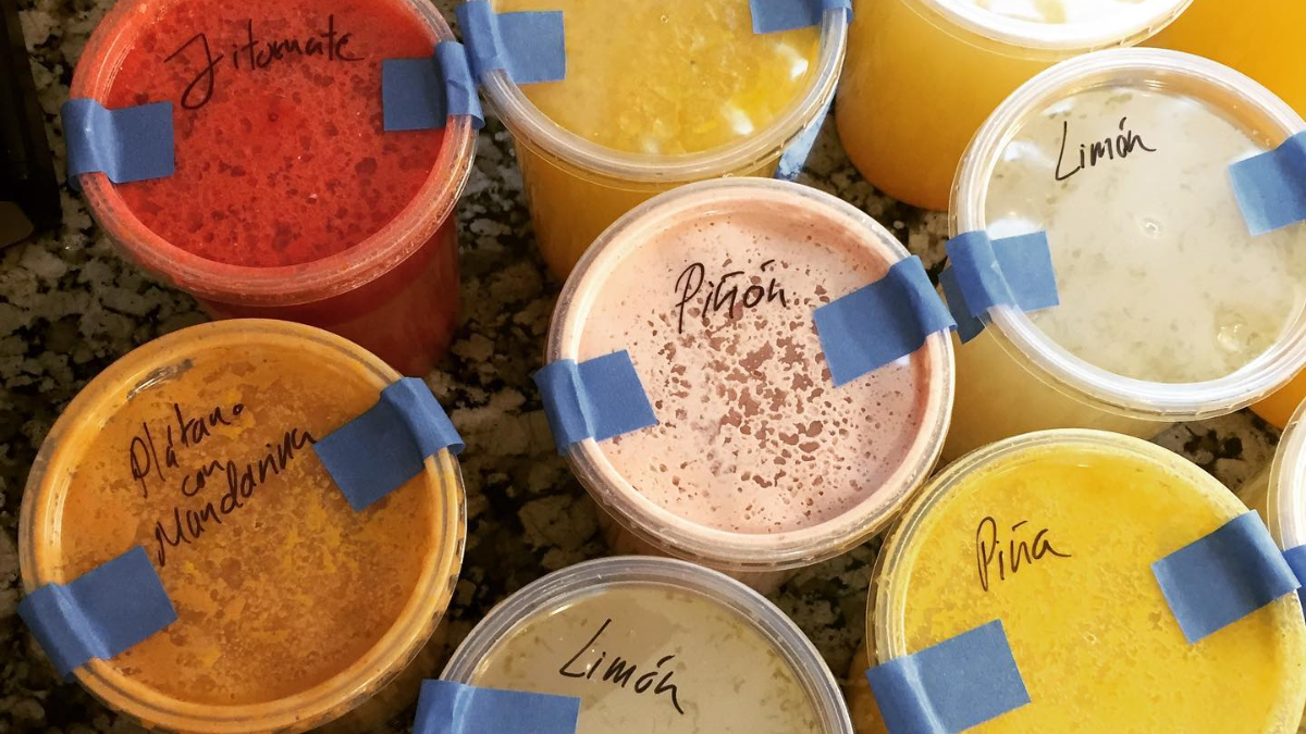 Pulque y curados a domicilio en CDMX: de limón, piñón, café...