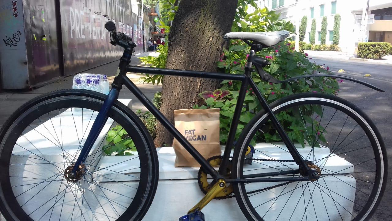 Vegan Express: la comida (vegana) se mueve en bici en CDMX 🚴��♂�🥑�