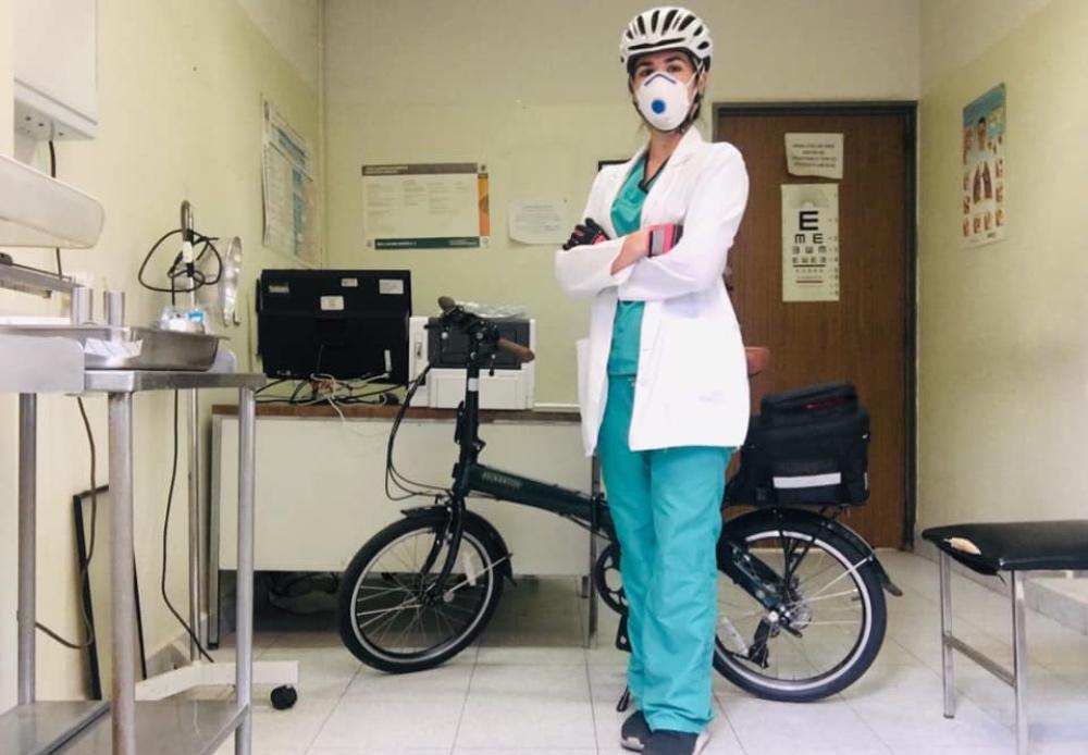 Recicletas: arman bicis para regalarlas a médicos y enfermeras