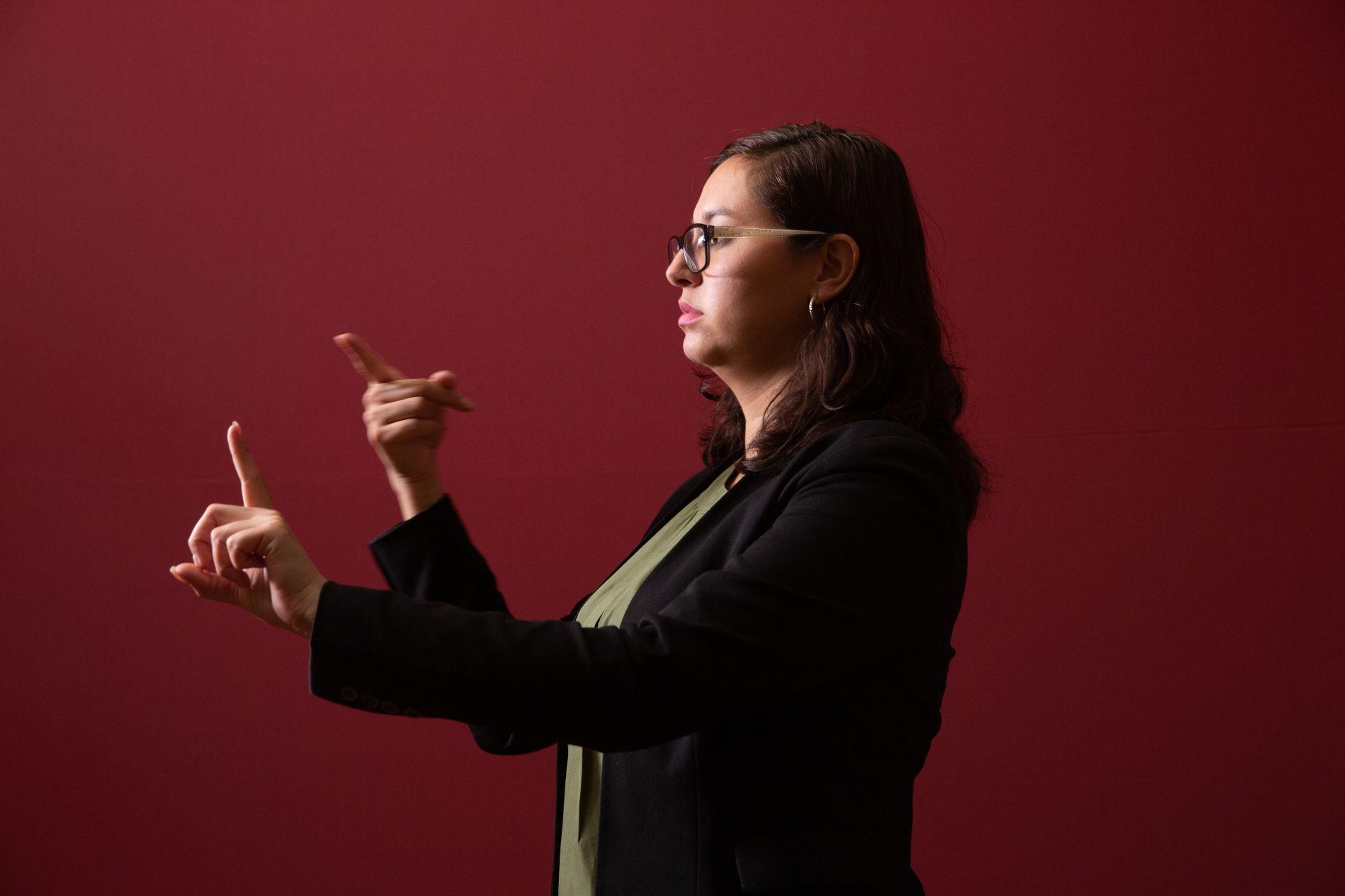 Laura Álvarez, la otra voz de Hugo López-Gatell