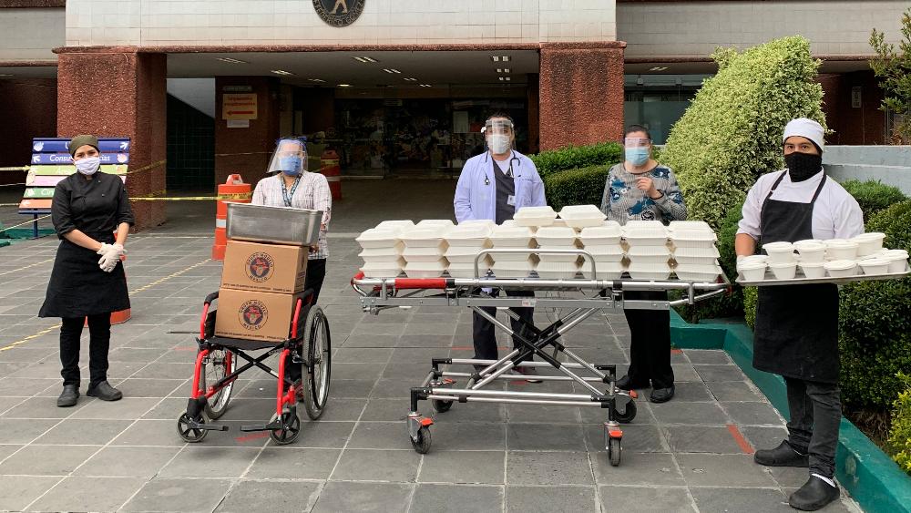 Tú también puedes ayudar a llevar comida a hospitales (desde casa) 💛