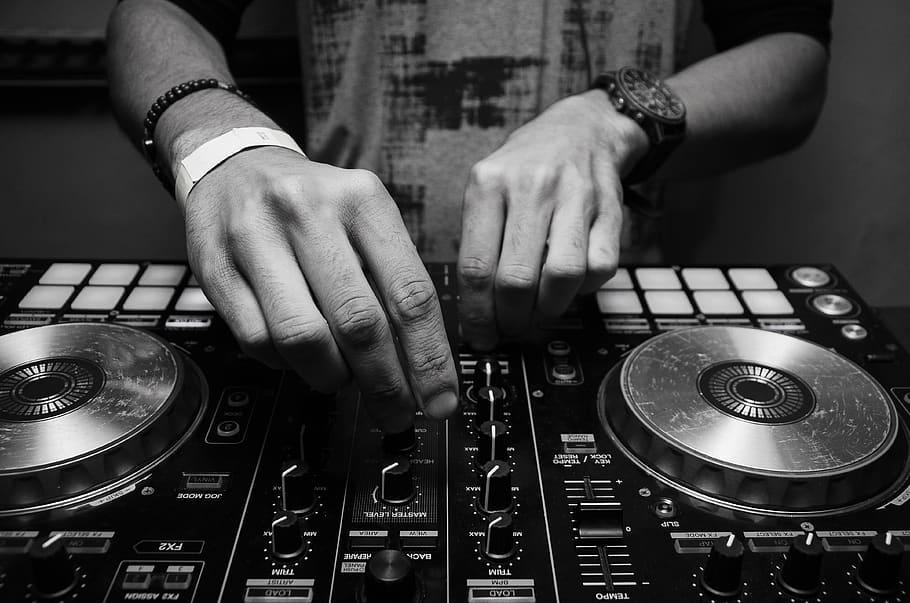 #QuédateEnCasa con los mixtapes de Casa Audible 🎧🎶